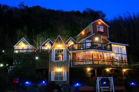 Cozy 2BD Lodge with Attic & Cafe  - Namsan-myeon, Chuncheon-si