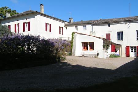 Chambre d'Hôtes - Villa