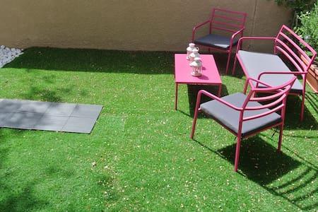 Room with Private Garden - Villa