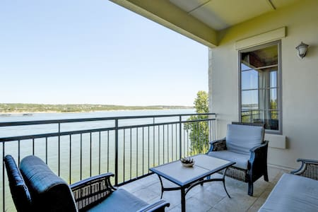 Sophisticated Lake Travis Condo - Wohnung