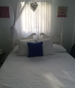 Lovely one bed central apartment  - Bequia  - Autre
