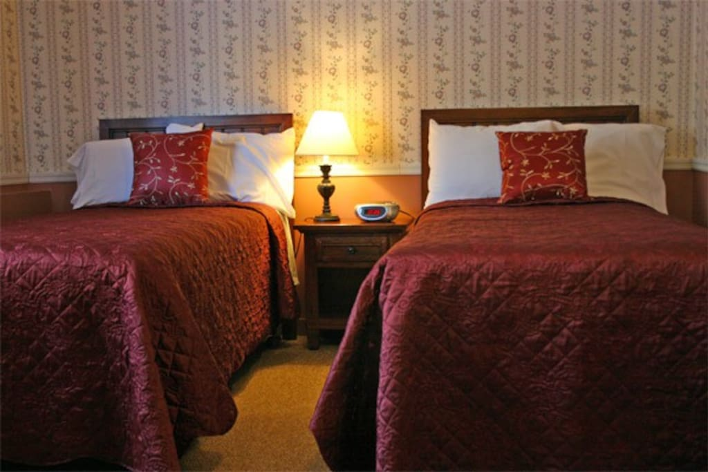 7 of our rooms are two twin beds.