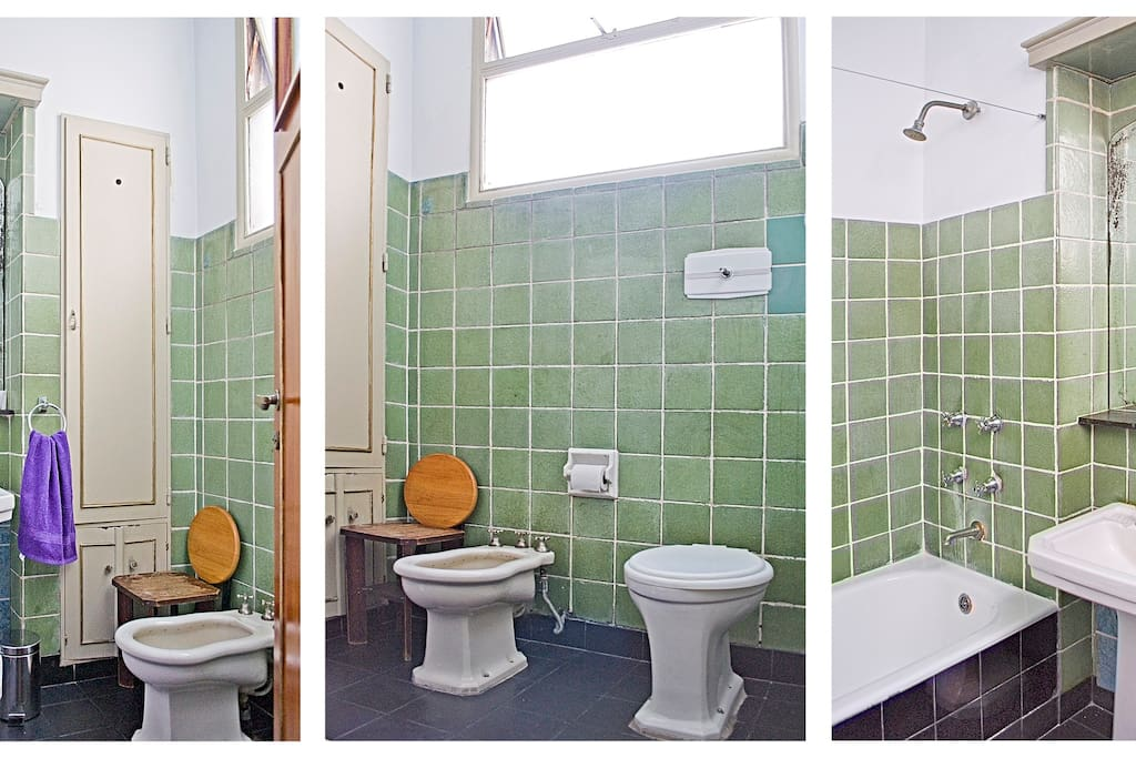 Bathroom to share. Baño a compartir ( we have taken out the bidet/ tuvimos que sacar el bidet)