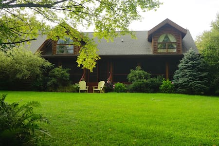 Harbor County Log Cabin - Sleeps 22 - La Porte