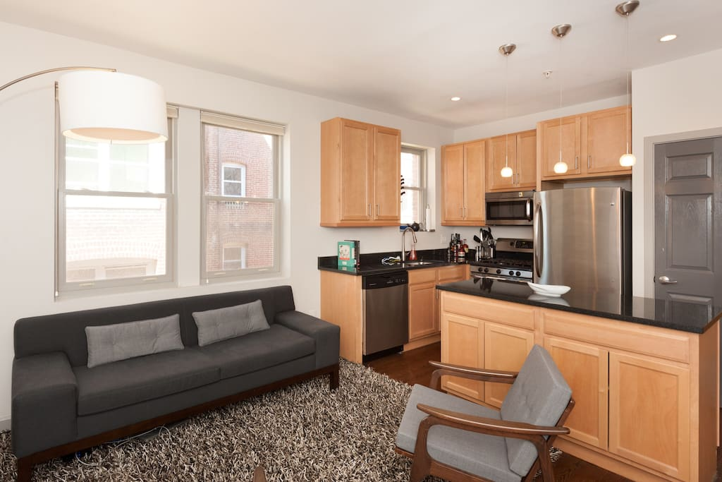 Modern 1 BD w/ Amazing Kitchen