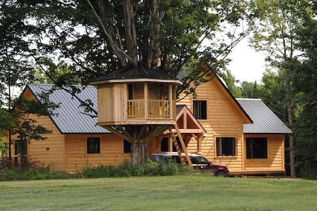Country Home Getaway/4000 sq. ft