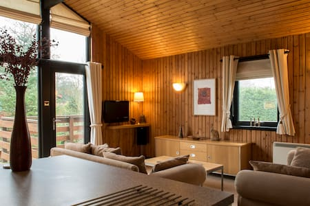 4* Contemporary Retreat in Cumbria (Lake District) - House
