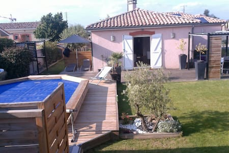 Maison de 100m2 avec piscine (chauffé) - House