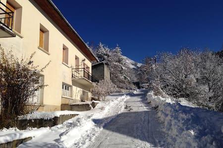 Maison à la montagne - Seyne - Hus