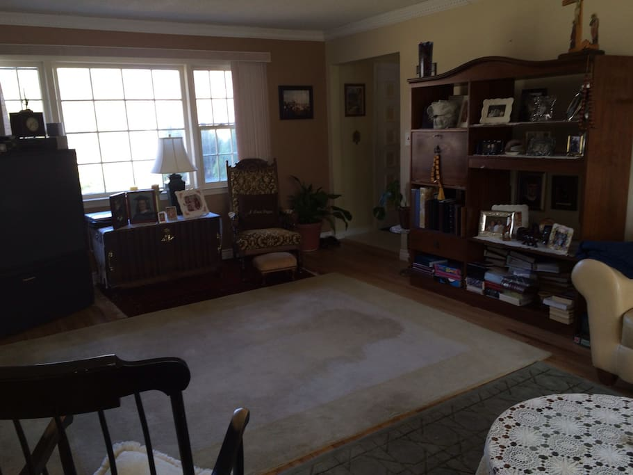 TV/FAMILY ROOM