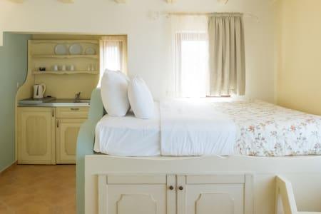 Cressa Ghitonia Village Suites - Apartmen