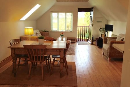 Gorgeous Cosy River Hamble Loft, fab views - Loteng Studio