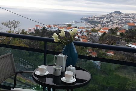 Apartment with beautiful views over Funchal & sea - Daire
