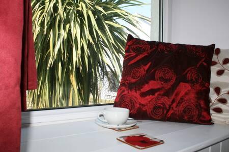 Red Field Poppy - Bed & Breakfast
