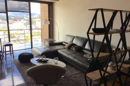 Studio in Artsy Neighborhood - Apartment
