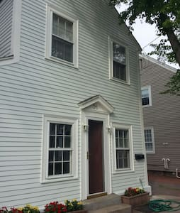 Cozy Home in Downtown Newburyport! - Newburyport - Ház