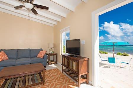 Coco Beach Villas #1 (Ocean Front View) - Bodden Town - Vila