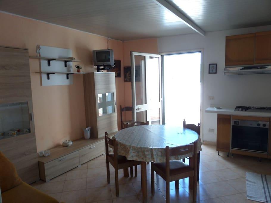 Appartamento ingresso/Soggiorno con divano letto