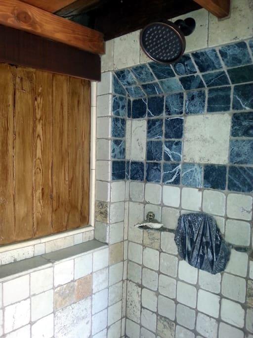 Custom Shower w/Fossil inlay