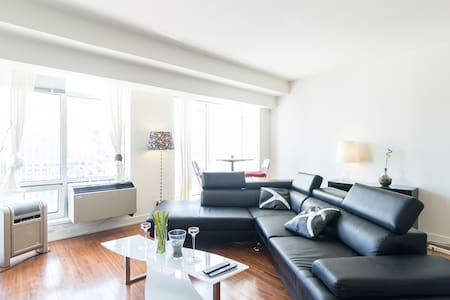 Best 2 BEDROOMS Old Montreal & DWT - Montreal - Apartment