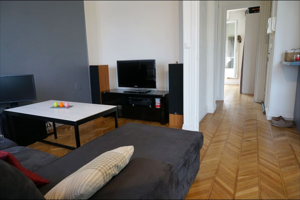 Flat in the center on the docks apartments for rent in - Rent a car thiais ...
