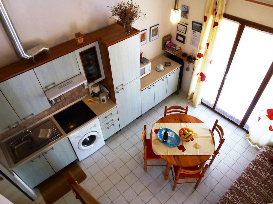 Une cuisine bien equipée.