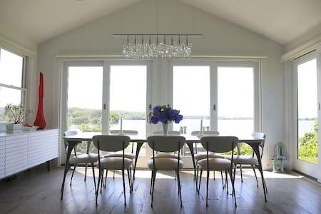 Montauk Modern Waterfront Cottage - 단독주택