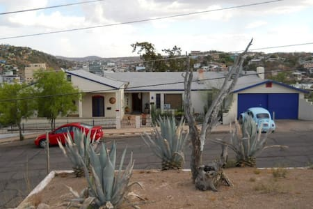 "the historic ""Border View"" home - Nogales - House"