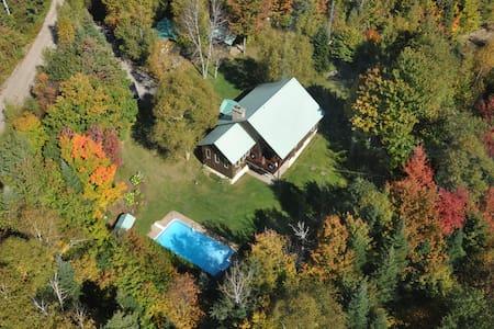 Grande Maison Monar avec piscine