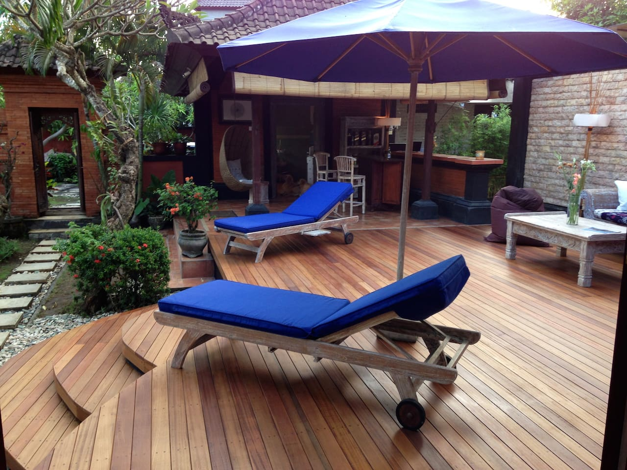 Our beautiful new sun deck is finished and ready to go.