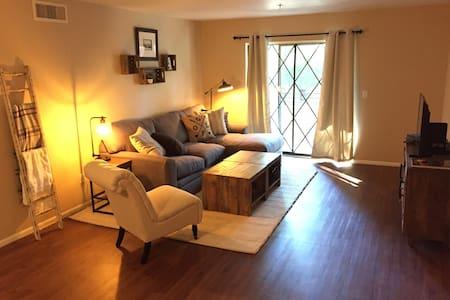 Charming 2 BR Condo in Old Town Scottsdale - Scottsdale - Συγκρότημα κατοικιών