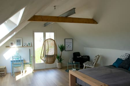 Luxurious B&B at the river 'De Waal - Nieuwaal - Bed & Breakfast