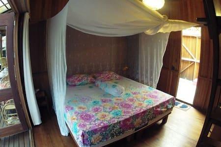 Bukit Raya Guesthouse Comfort Room - Inap sarapan