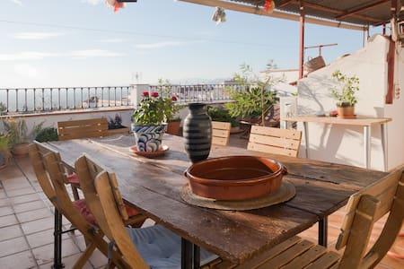 Rooms Albayzin-terrace-car access