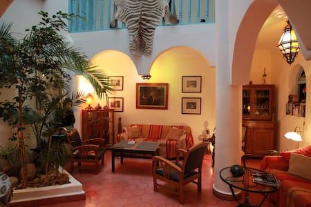 Riad de Charme calme et lumineux - Essaouira