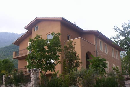 Country House in the olive grove - San Donato Val Di Comino - Bed & Breakfast