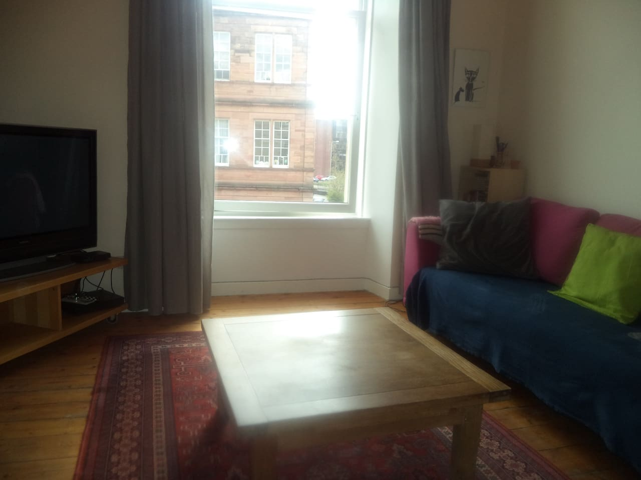 Bright, sunny west end two bed flat