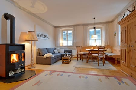 Romantic tyrolean style Apartment - Ház
