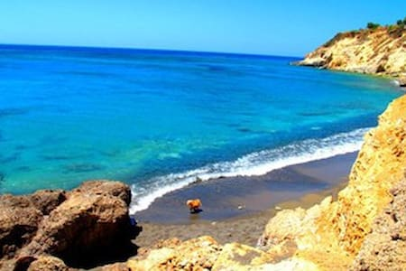 Just you and the ocean..:) - Ierapetra - Huoneisto
