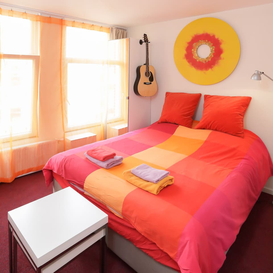 Private Studio (1) third floor, canal view