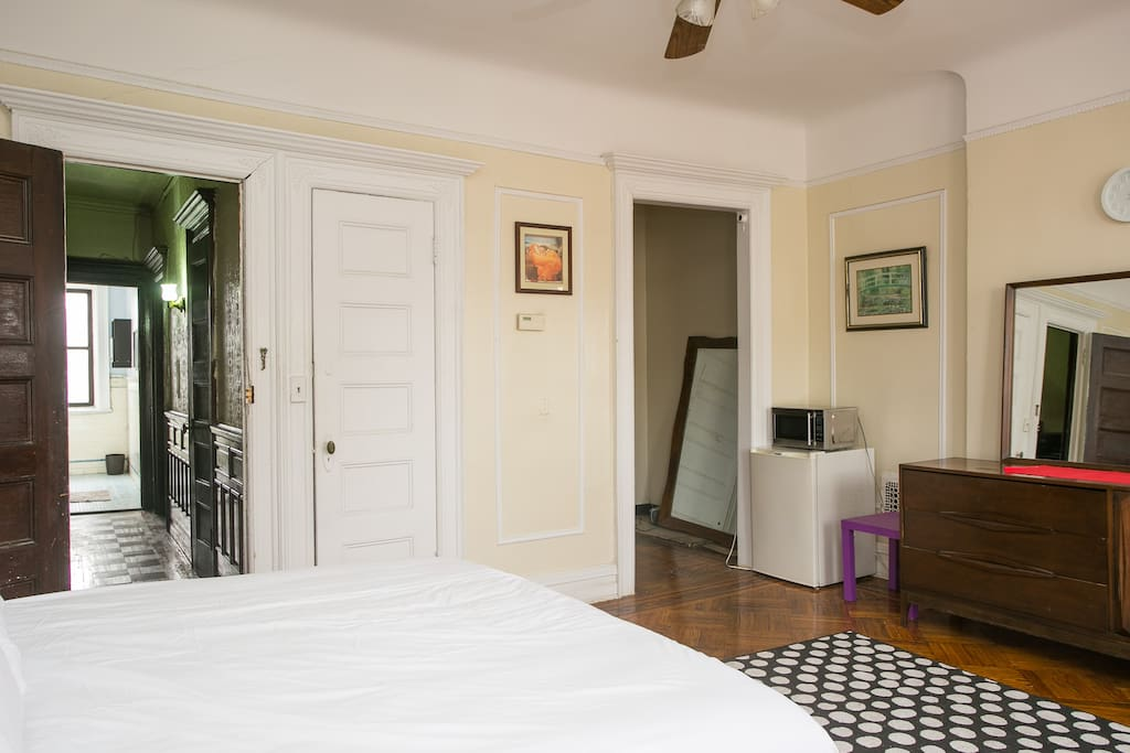 Spacious Guest Room in Brownstone