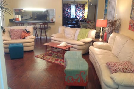 FULLY Furnished Home near the Bay - Daphne - Casa