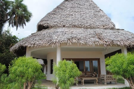 Super Romantic Beach House - Malindi