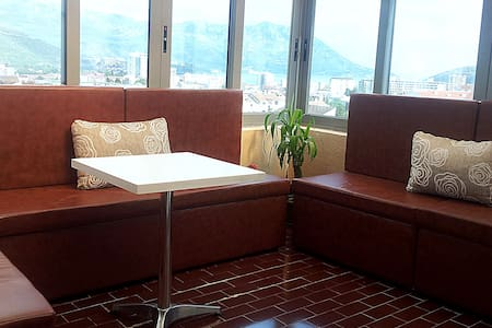 Sunny penthouse, 2bedroom,10min sea - Budva