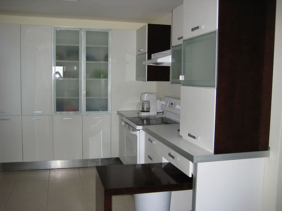 Practical open kitchen with all modern amenities