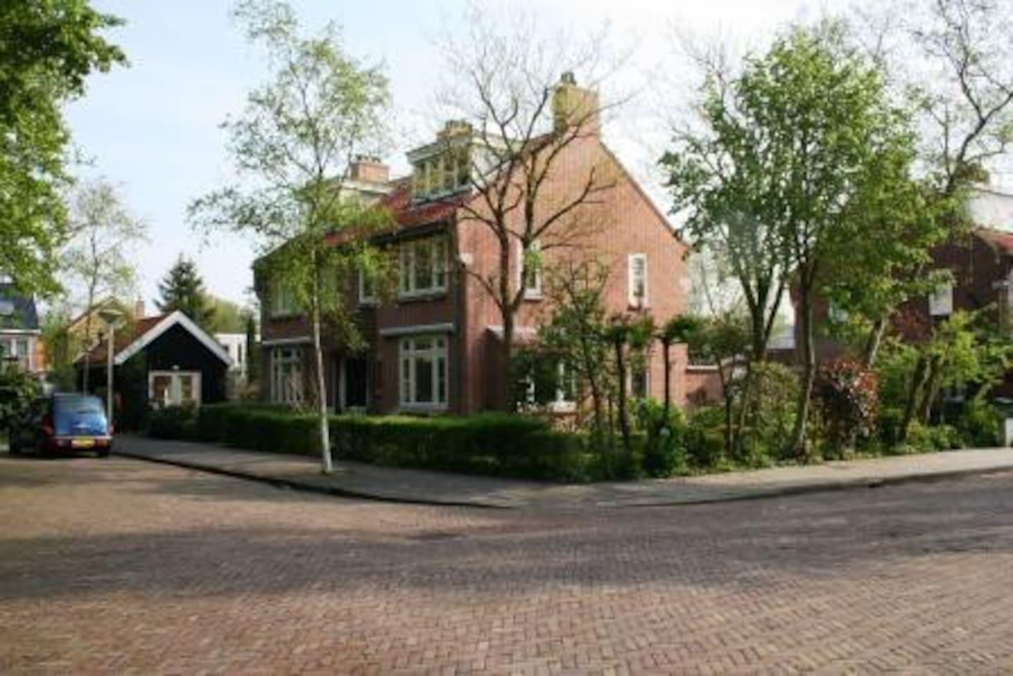 Vrijstaand huisje aan bosrand - Zomerhuisjes/cottages te Huur in ...