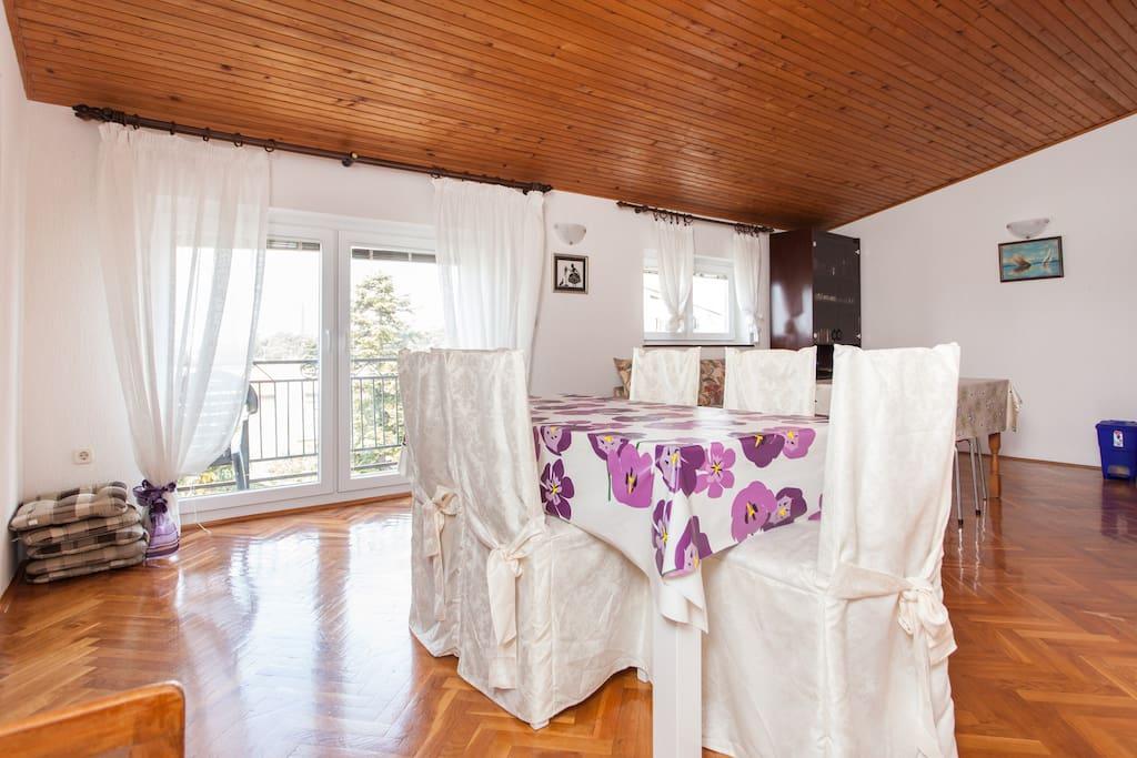 Large Loft Apartment in Villa 6+1