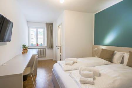 CAPITOL ROOMS standard double room - Bolzano - Bed & Breakfast