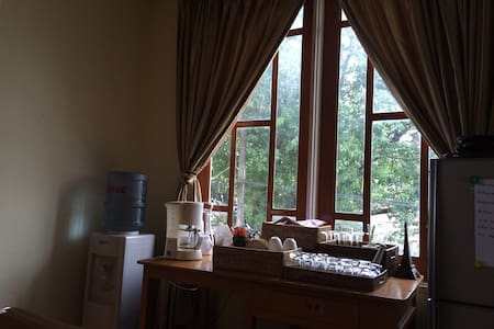 Local Atmosphere Guest House(A) - Yangon - House