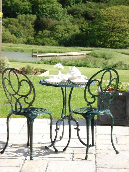 Sit out on the patio and see all the wildlife with a glass of wine or two!
